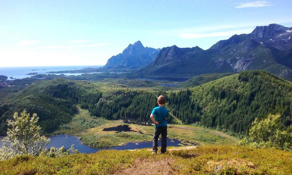 Hiking in the Lofoten Islands in Norway with kids - Ophelie and Crew